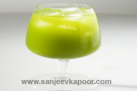 Chilled Green Tea And Honey Drink KhaanaKhazana
