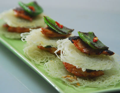 Noodle Cakes with Sliced Chicken