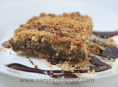 Quick Chocolate Cake Crumble