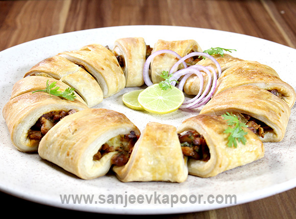 Tandoori Chicken Crescent Rings